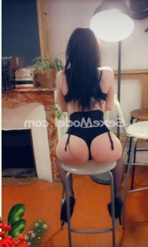 Anjelina massage tantrique escorte