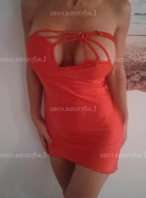 Cristal escort girl massage naturiste à La Courneuve